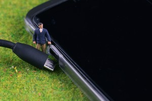 Tiny People: While you were sleeping.. this guy was taking your phone off charge