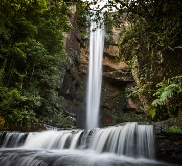 Hike down to Belmore Falls